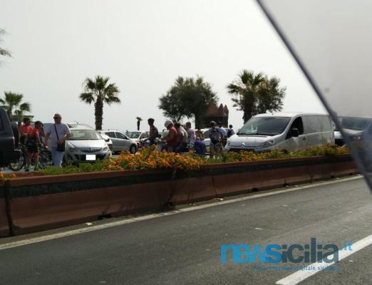 Incidente sul lungomare di Catania, uomo travolto sulle strisce: in codice rosso al Cannizzaro