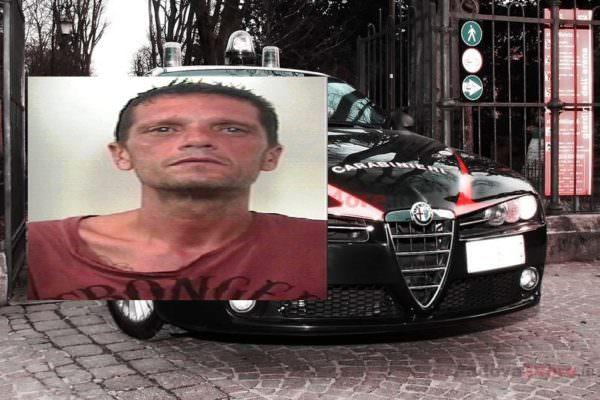 Crede di aiutare passante in difficoltà, ma viene rapinato: arrestato 42enne, era evaso dai domiciliari