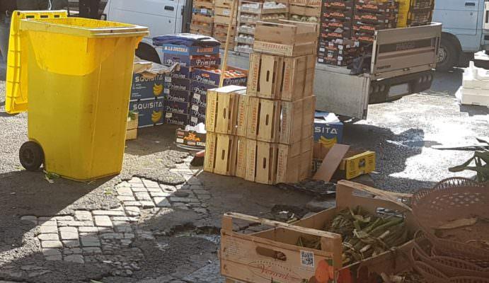 Catania, operazione piazze pulite: Dusty lancia un'iniziativa coinvolgendo venditori e cittadini