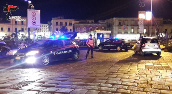 Carabinieri passano a setaccio Ortigia e Fontane Bianche: 13 patenti ritirate e 4 denunce