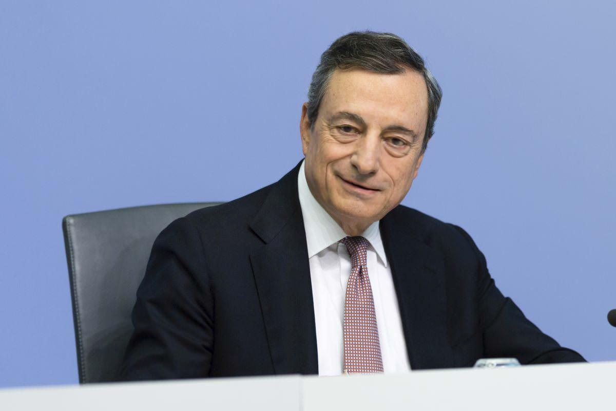 """Riaperture, l'annuncio di Draghi: """"Si inizia dal 26 aprile"""". Ristoranti, scuole e Regioni: ecco tutte le novità"""