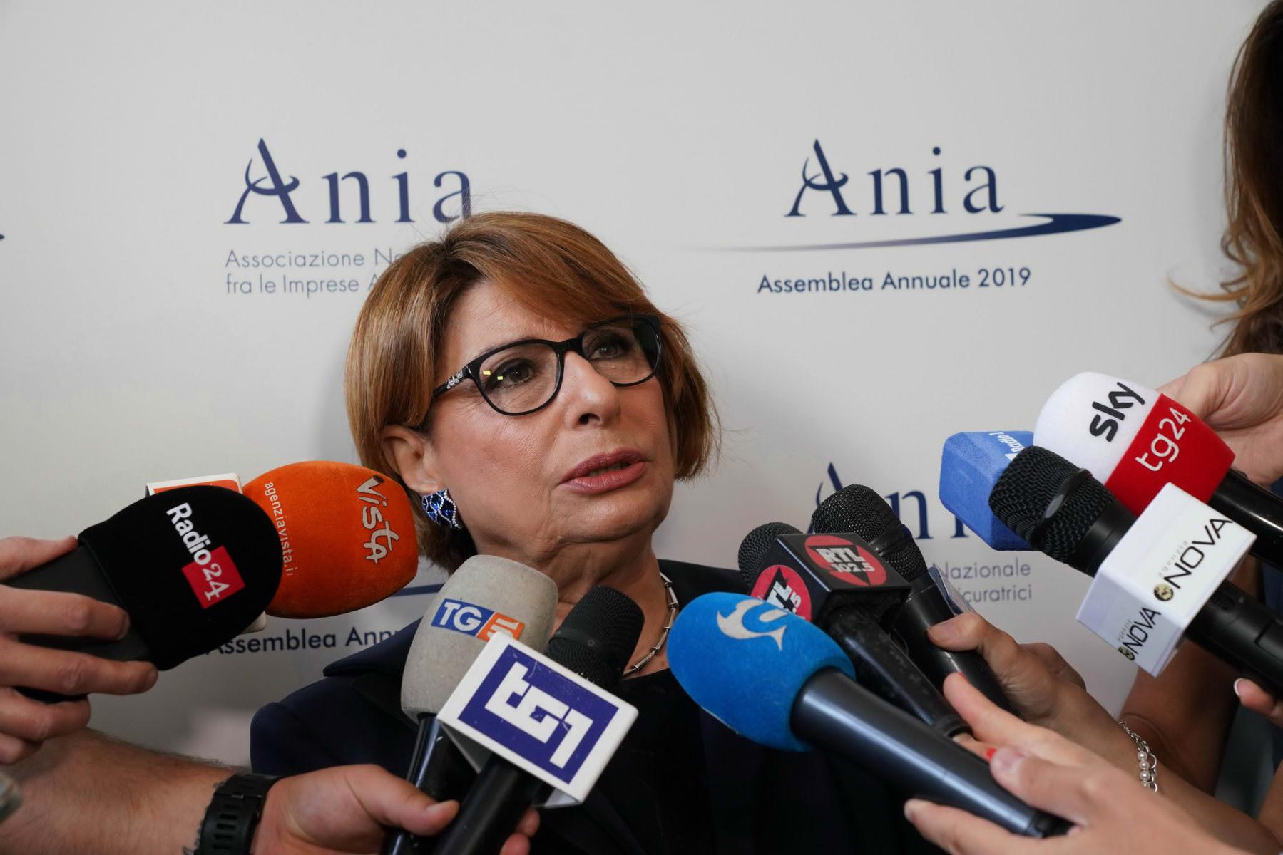 "ANIA ""UN PAESE NON ASSICURATO E' PIU' FRAGILE"""