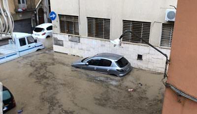 Sicilia nella morsa del maltempo, inizia la conta dei danni: violenti temporali in corso – FOTO e VIDEO