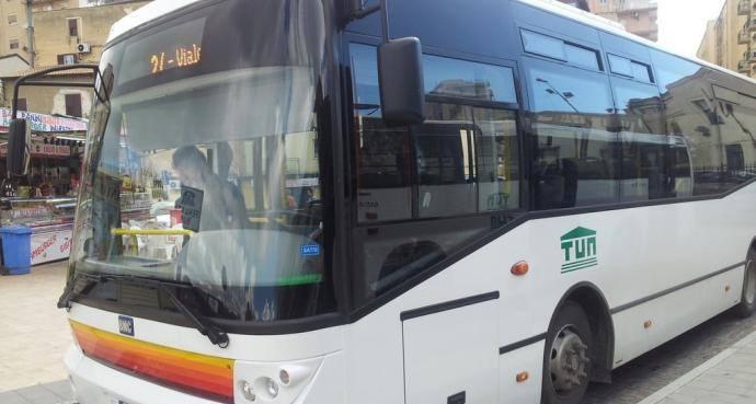 Due passeggeri positivi su bus cittadino, tampone e isolamento per l'autista: l'appello dell'Asp – DETTAGLI