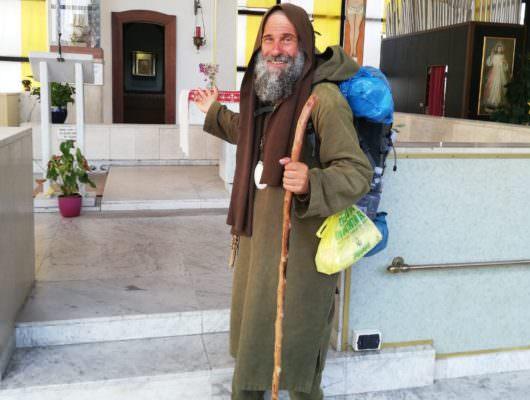 Da Palermo a Strasburgo a piedi, la missione di Fratel Biagio: domani l'arrivo al Parlamento Europeo