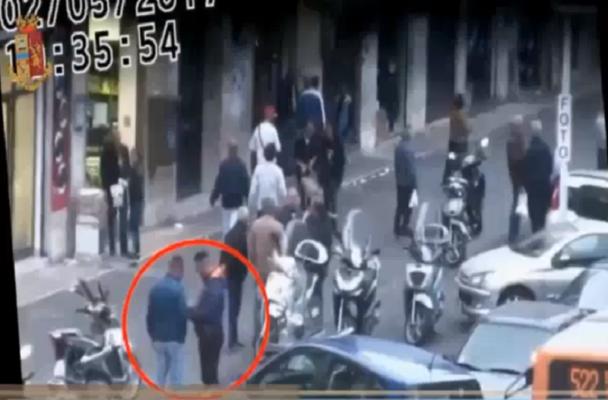 """Operazione Tricolore, """"pace mafiosa"""" sancita dalle bandiere a San Berillo Nuovo e un sistema di auto-tutela per lo spaccio """"sicuro"""""""