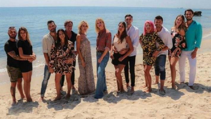 """Dall'amore alle """"corna"""", ritorna Temptation Island VIP: una coppia catanese dà spettacolo alla prima puntata"""