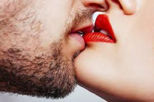 Che cosa è un bacio? Effusione amorosa e benessere del corpo e della mente – Le FOTO dei baci più belli