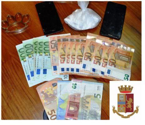 Spaccio di droga nel Nisseno, arrestati due pusher. Sequestrati stupefacente e denaro