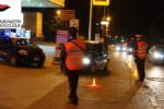 Controlli dei carabinieri, hashish e marijuana nelle tasche: denunciato un 16enne e arrestato un 19enne