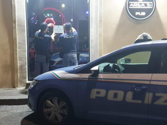 Schiamazzi, liti e risse tra extracomunitari ubriachi: chiuso pub Area 51 di via Coppola