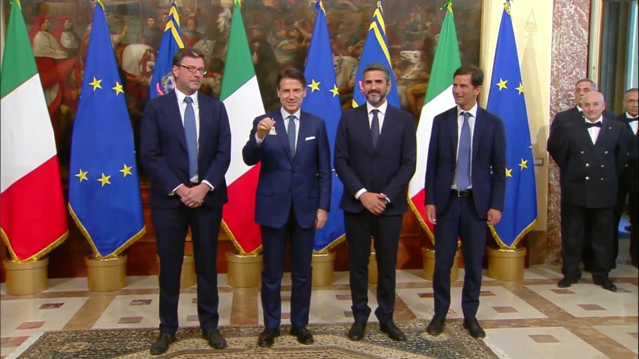 Conte si re-insedia a Palazzo Chigi