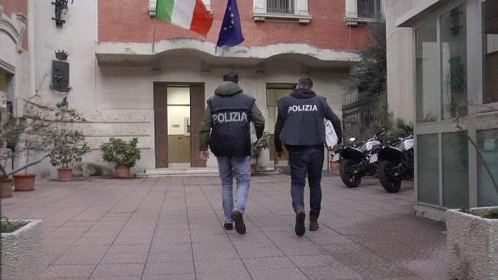 Prestito di 2mila euro ma ne vuole indietro 6mila e 600: arrestato 37enne per usura