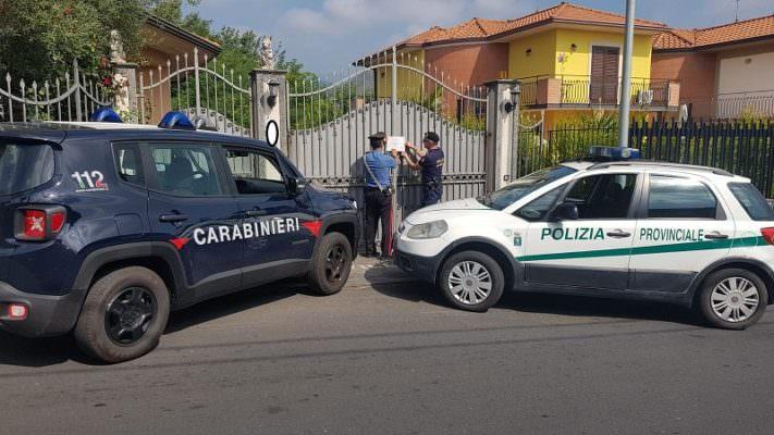 Sequestrata officina meccanica abusiva a Trecastagni che smaltiva illegalmente gli olii esausti