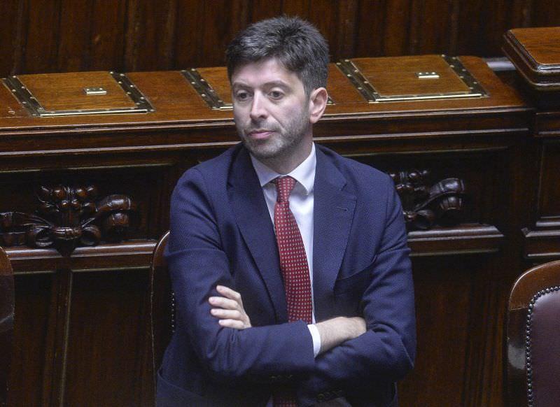Emergenza sanitaria, il Governo accelera: il ministro Speranza convoca il Cts, nuove misure in arrivo