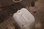 Armati di tubo in gomma tentano di rubare gasolio da autocarro in sosta: 2 arresti
