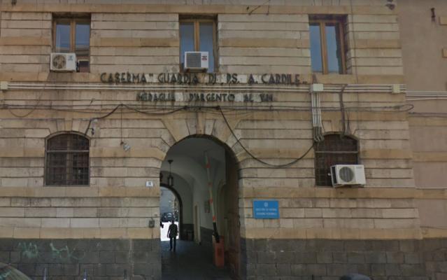 Catania, operazione antidroga a Librino: atteggiamenti intimidatori e urla isteriche davanti alla sede della Squadra Mobile