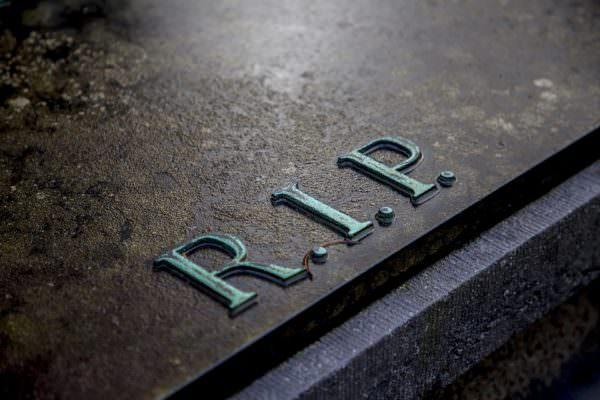 Pasqua in zona rossa, a Palermo il Comune dispone la chiusura dei cimiteri: consentito ingresso delle salme