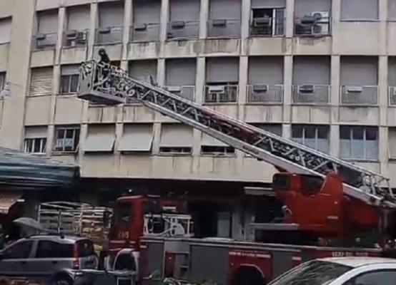 Paura ad Acireale, anziana rimane chiusa in casa: il VIDEO dell'intervento dei vigili del fuoco