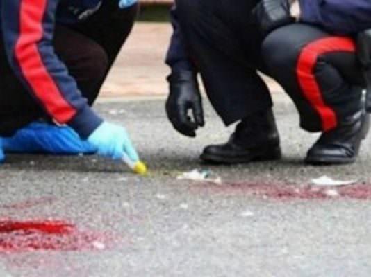 Vigilia di Ferragosto di sangue, 52enne accoltellato all'addome: trasportato al Policlinico