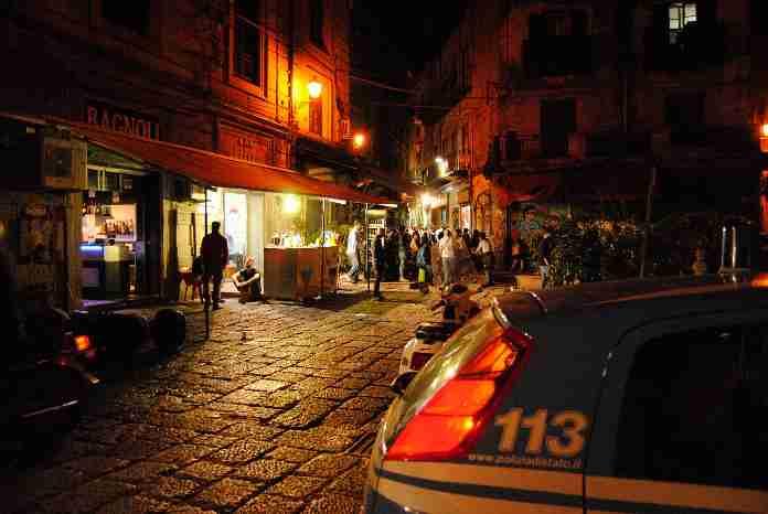 Movida, sale il livello di attenzione: potenziati i servizi anti-Covid, controllate oltre 2mila persone. Due arresti