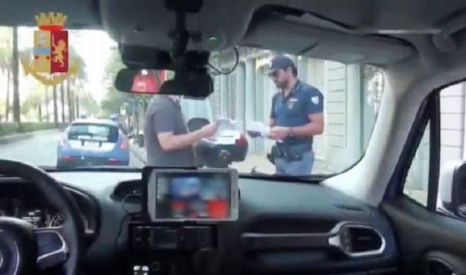 Beccati in giro nonostante gli arresti domiciliari, 32enne a comprare castagne e 25enne cartine: denunciati