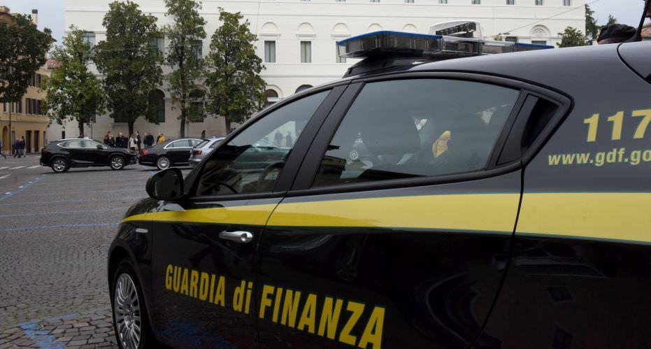 """Frode fiscale da oltre due milioni di euro, società cooperativa """"macchina"""" per fatture false: arrestato rappresentante legale – DETTAGLI"""