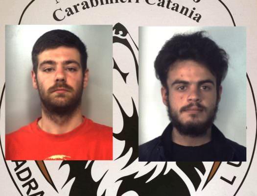 Catania, spaccio di crack e marijuana con vedette in viale Grimaldi: arrestati 2 giovani