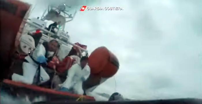Ancora sbarchi di migranti a Lampedusa: 30 i tunisini trasferiti