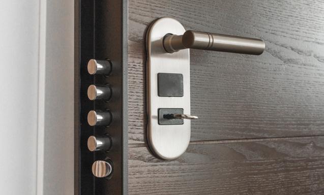 Cambiare la serratura di casa prima della separazione: si può fare?