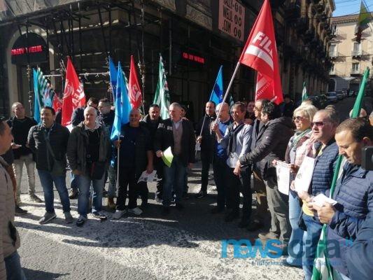 Catania, sit-in contro crisi del settore edile in Prefettura: chiesta l'apertura di un tavolo