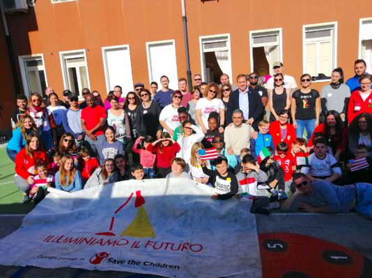Lavori di restauro per il Punto Luce di Catania tra militari USA e volontari cittadini