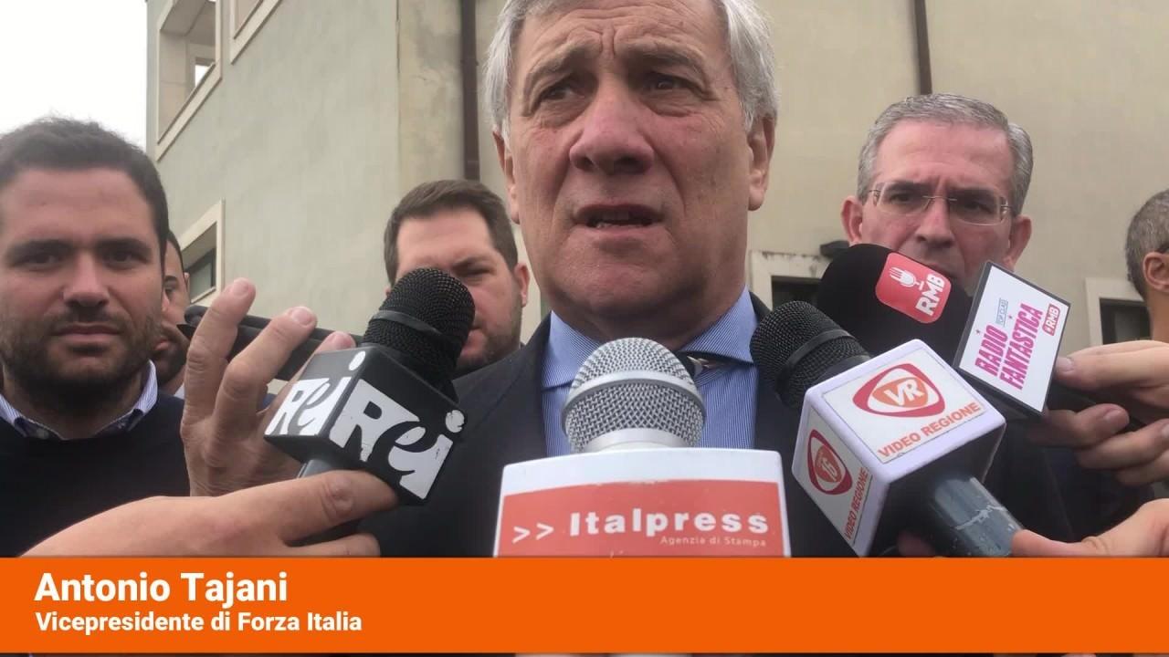 """Tajani """"Governo non durera'"""""""