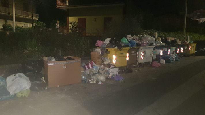 San Giovanni Galermo sommerso dalla spazzatura. La denuncia del consigliere Zingale