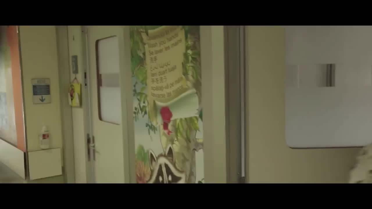 """""""Palle di Natale"""", il video dei ragazzi del Centro Tumori di Milano"""