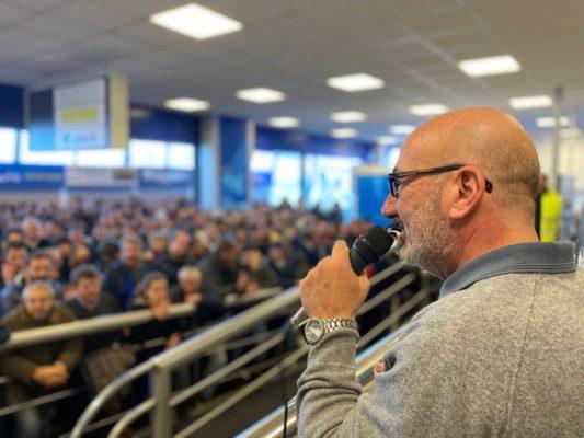 Oggetti smarriti in aeroporto messi all'asta: i profitti raggiungono i 20mila euro