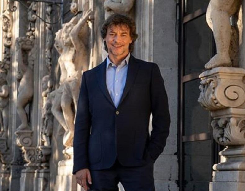 """Alberto Angela sceglie il Palazzo Biscari come """"sfondo"""" per gli auguri di fine anno sui social"""