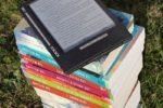 La sfida nell'era della tecnologia, i pro e i contro: e-book o libro cartaceo?