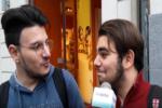 """""""Perché i siciliani…"""", catanesi rispondono ai luoghi comuni di Google: il VIDEO delle INTERVISTE"""