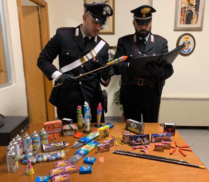 Botti di Capodanno, denunciate otto persone per la vendita illegale di oltre 100 chili di fuochi d'artificio