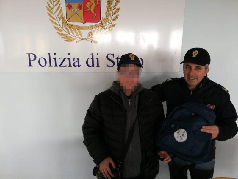 Poliziotto per un giorno, agenti realizzano il sogno di un 13enne affetto da autismo