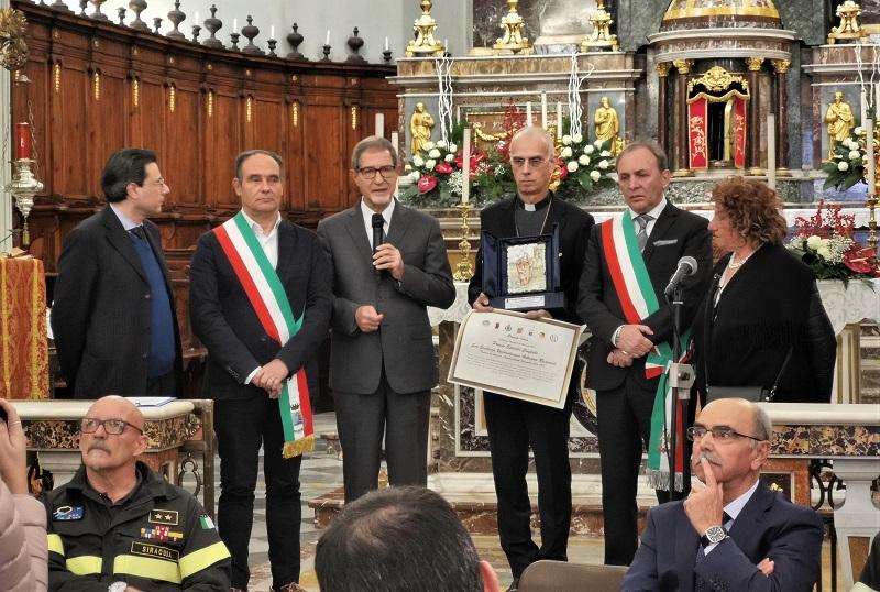 """L'Aeronautica Militare riceve il """"Premio Idria 2019"""". Presente anche il presidente Musumeci alla cerimonia"""