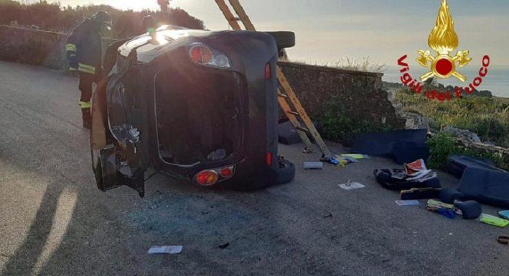Paura in mattinata, auto si ribalta zona Plemmirio: due giovani feriti al Pronto Soccorso