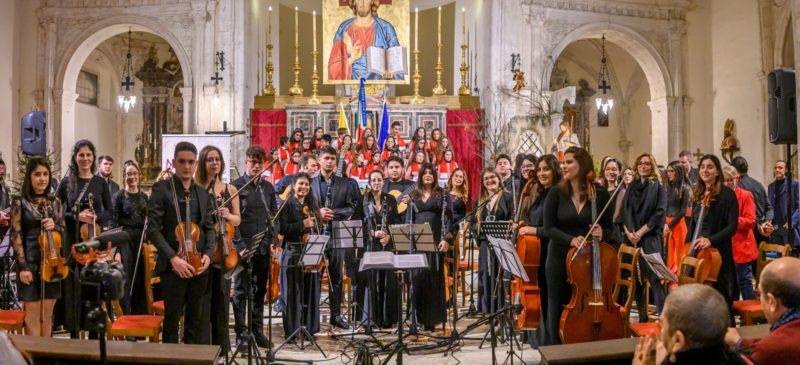 """Concerto di Natale della scuola """"Musco"""" di Catania nella Cattedrale San Nicola di Taormina"""