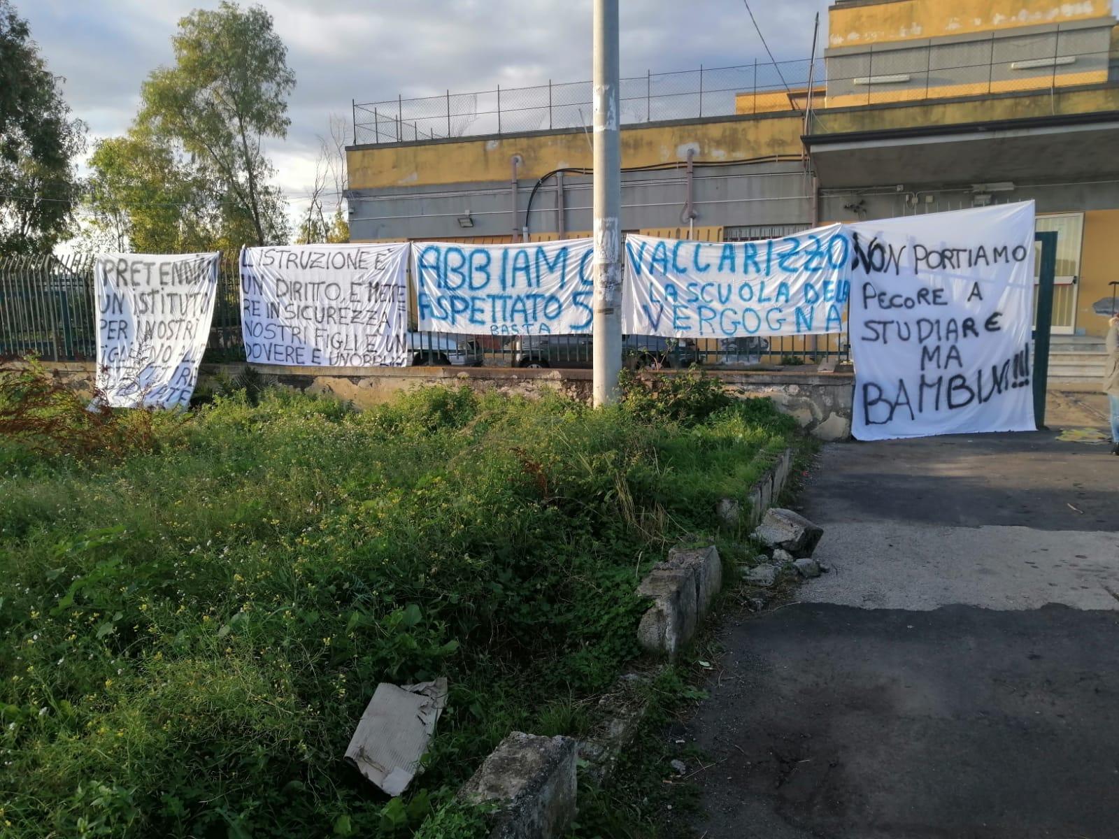"""Vaccarizzo, genitori in protesta per l'Istituto """"Fontanarossa"""". Preside Tumminia: """"Presto inizieranno i lavori"""""""