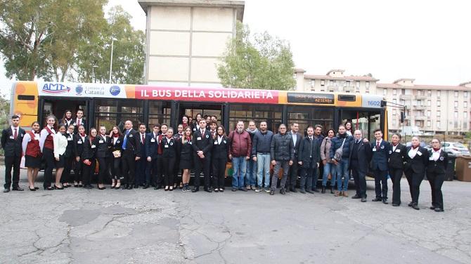 """Autobus della solidarietà, il quartiere Balatelle inaugura l'iniziativa: """"Vogliamo dare conforto a tante famiglie"""""""