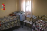 Gestiva una casa di riposo abusiva con anziani e disabili: ospiti condividevano tre letti e spazi di dimensioni anguste
