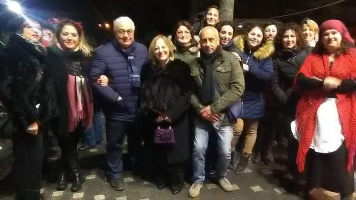 """Ragalna in festa: luci, colori, amore e tradizione natalizia grazie agli studenti dell'Istituto """"Guglielmo Marconi"""""""