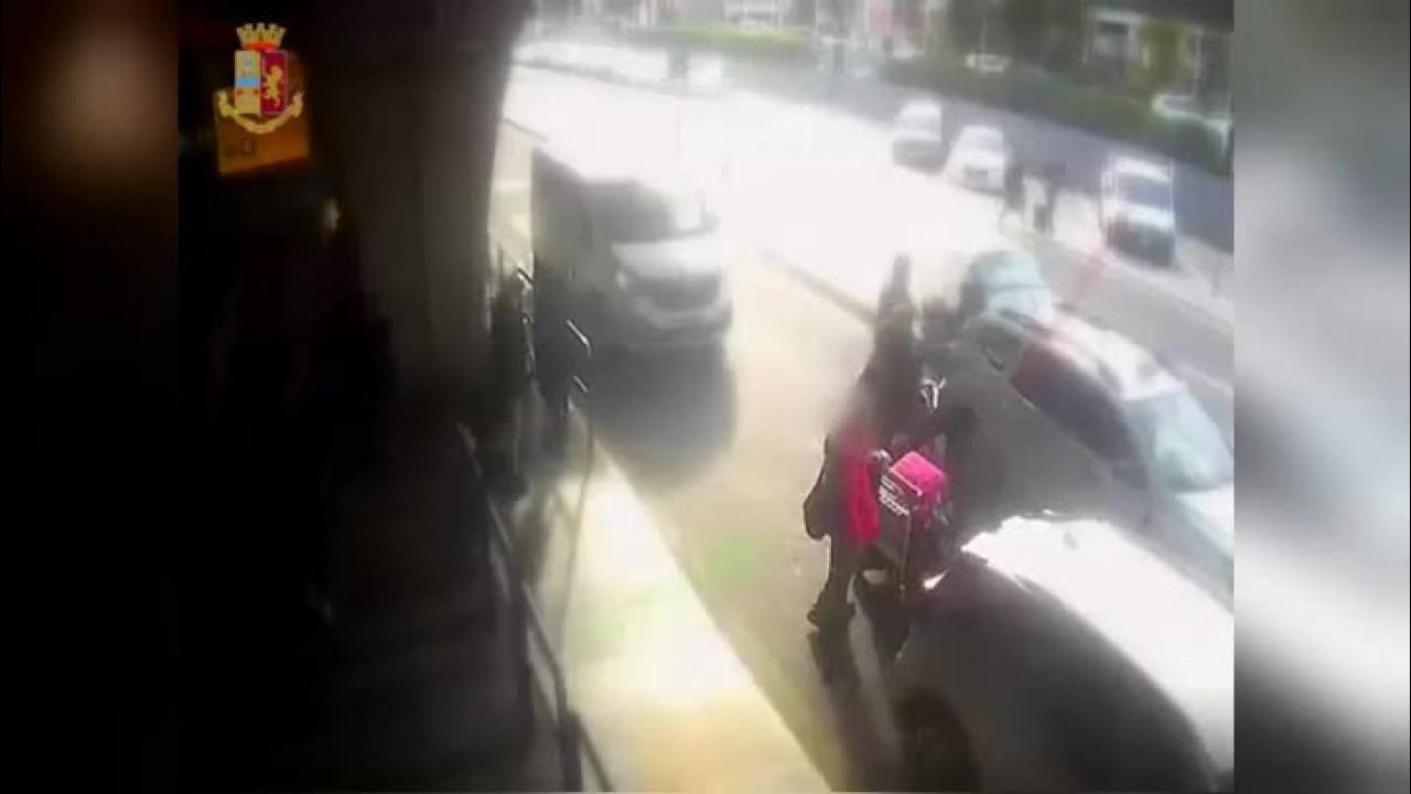 Chiede l'uso del tassametro a Fiumicino, tassista gli rompe il naso