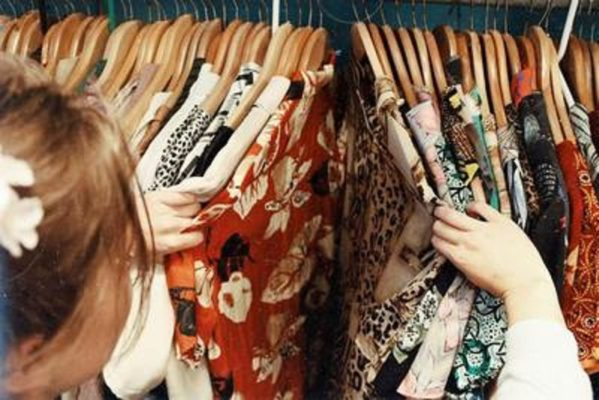 Idee e look per le feste: consigli per vestire bene e sentirsi belle, ma comode